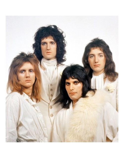 La historia de la portada de Queen II