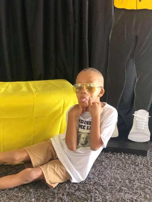 Niño pide fiesta temática de cumpleaños inspirada en Bad Bunny