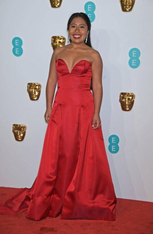 Critican vestido de Yalitza Aparicio en premios Bafta