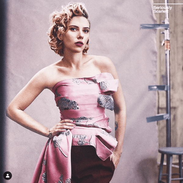 Scarlett Johansson se redujo el tamaño del busto