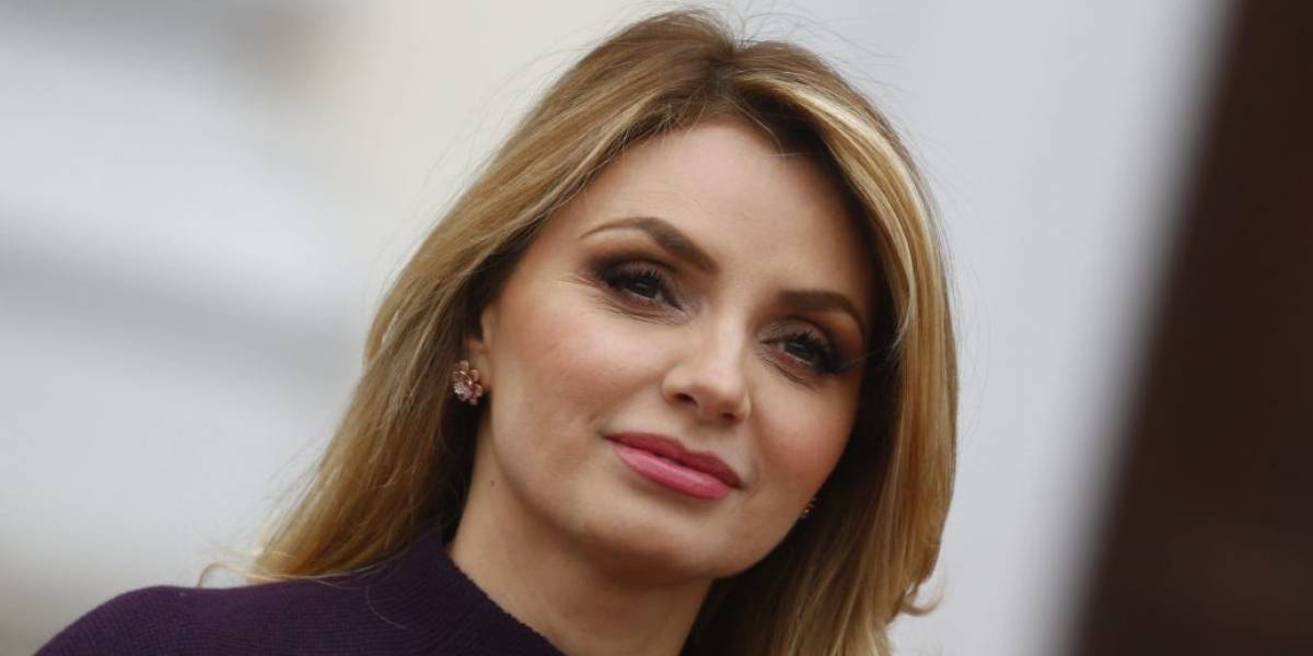 Enrique Peña Nieto se compromete con Tania Ruiz