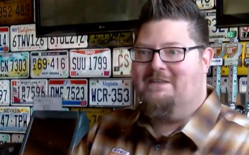 Hombre que solo bebió cerveza en la Cuaresma pierde casi 20 kilos