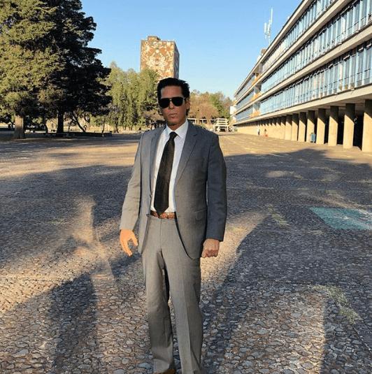 Roberto Palazuelos dio una clase de derecho en la UNAM