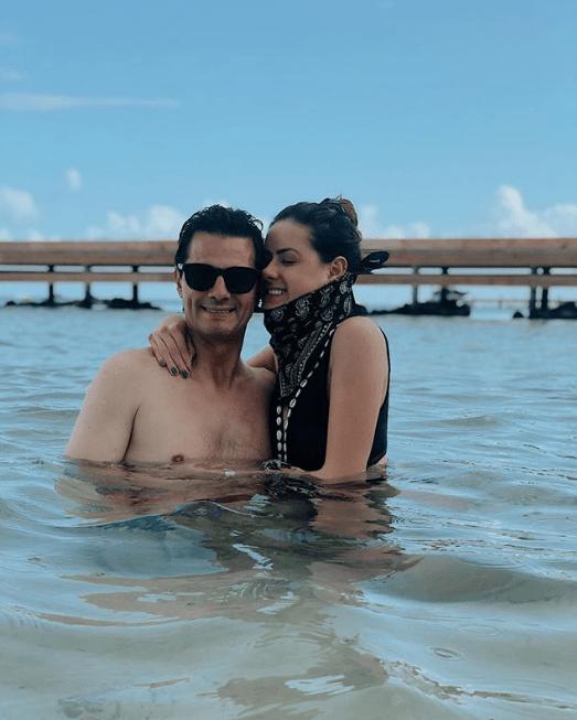 Enrique Peña Nieto reaparece de vacaciones con sus hijas