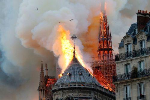 Fotos y videos del incendio de la catedral de Notre Dame
