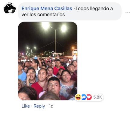 Grupo de personas se toma foto y se convierten en meme