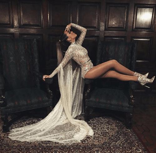 Frida Sofía con vestido de gala