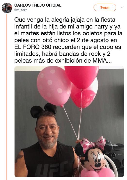 Carlos Trejo se disfraza de Mickey Mouse para anunciar pelea con Alfredo Adame