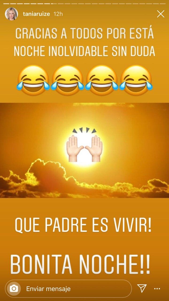 Tania Ruiz se esconde baño cuando le preguntan por boda con Peña Nieto