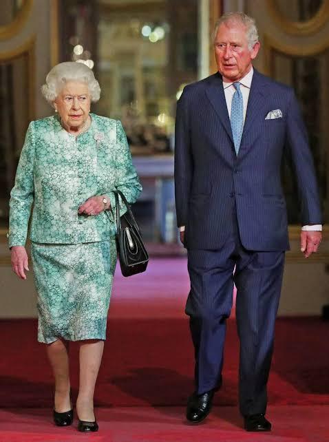 Reina Isabel II estaría próxima a dejar el trono en favor de su hijo