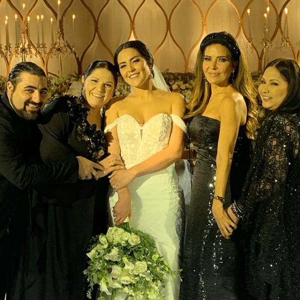 Así fue la boda de la hija adoptiva de Ana Gabriel
