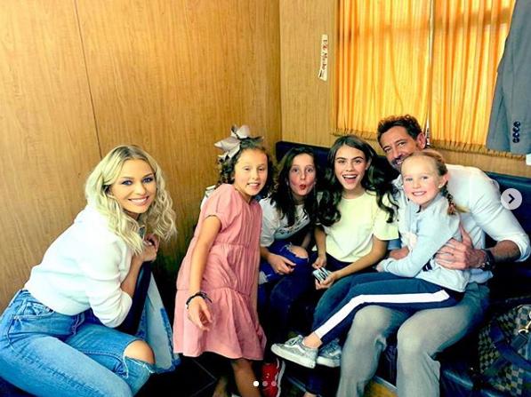 Gabriel Soto publica fotos de Irina Baeva con hijas de Geraldine Bazán