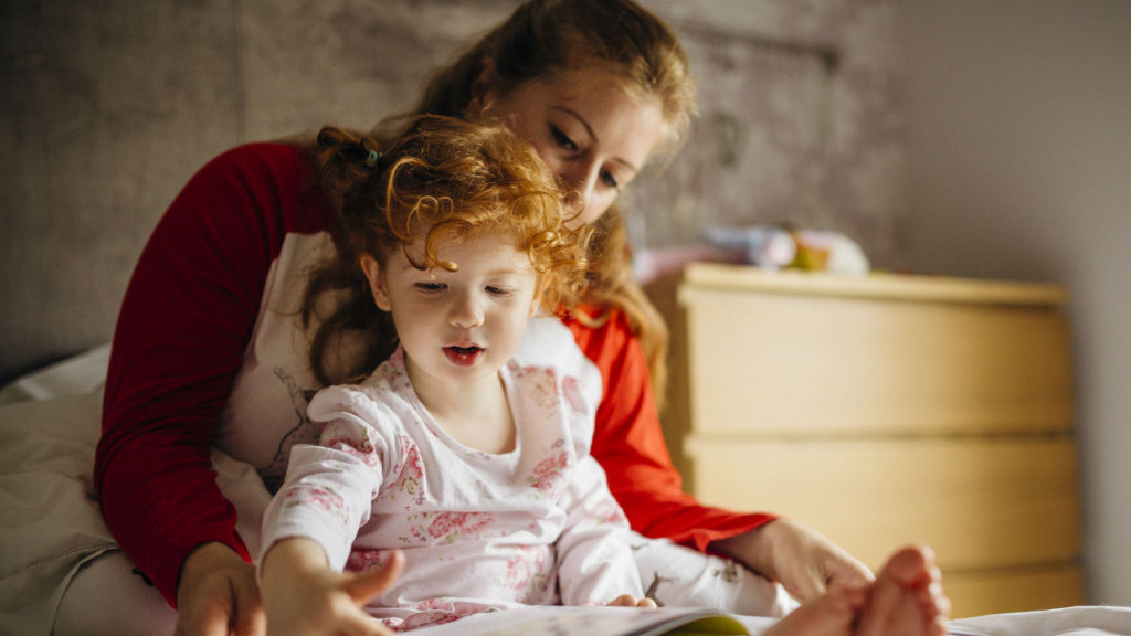 Hijas de madres solteras son más inteligentes, según ciencia