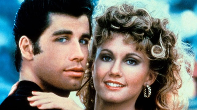 John Travolta y Olivia Newton-John recrean personajes Grease