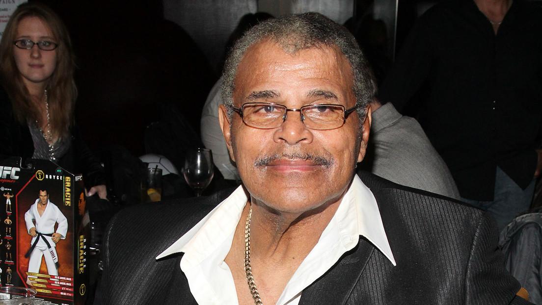 Dwayne Johnson La Roca llora muerte de Rocky Johnson su padre