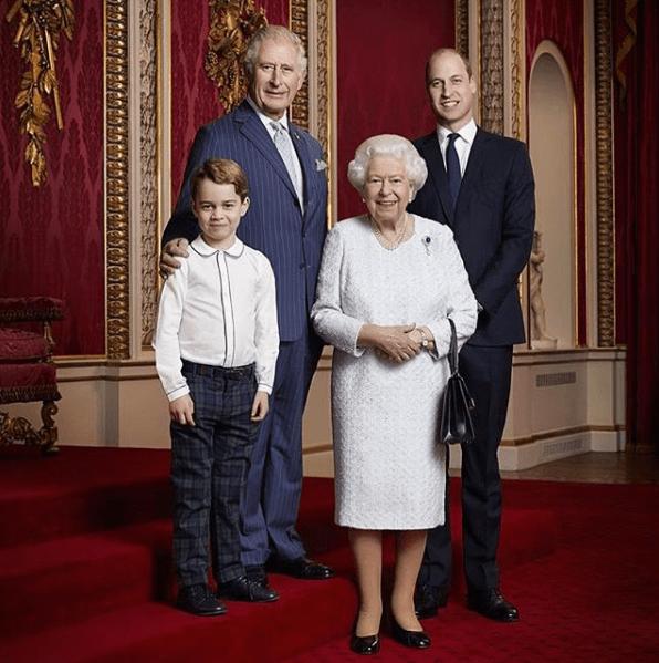 Foto de la reina Isabel II revela problema de salud