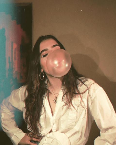 Camila Fernández, nieta de Chente, sorprende con su gran voz