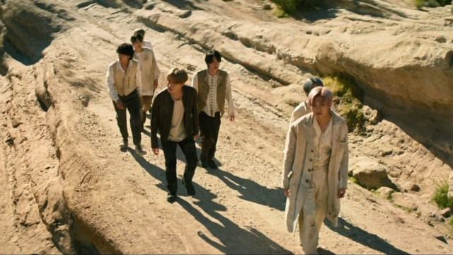 """Army encuentra las teorías del nuevo MV de """"ON"""" de BTS"""