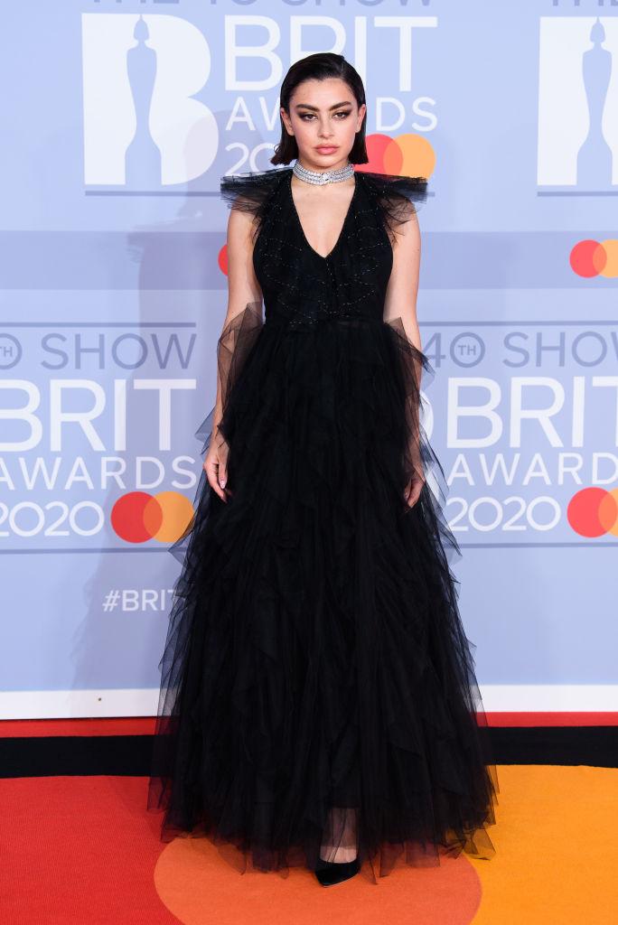 Alfombra roja premios Brit Awards 2020
