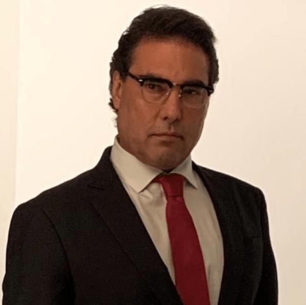 Eduardo Yañez preocupa por su rostro en regreso a la televisión