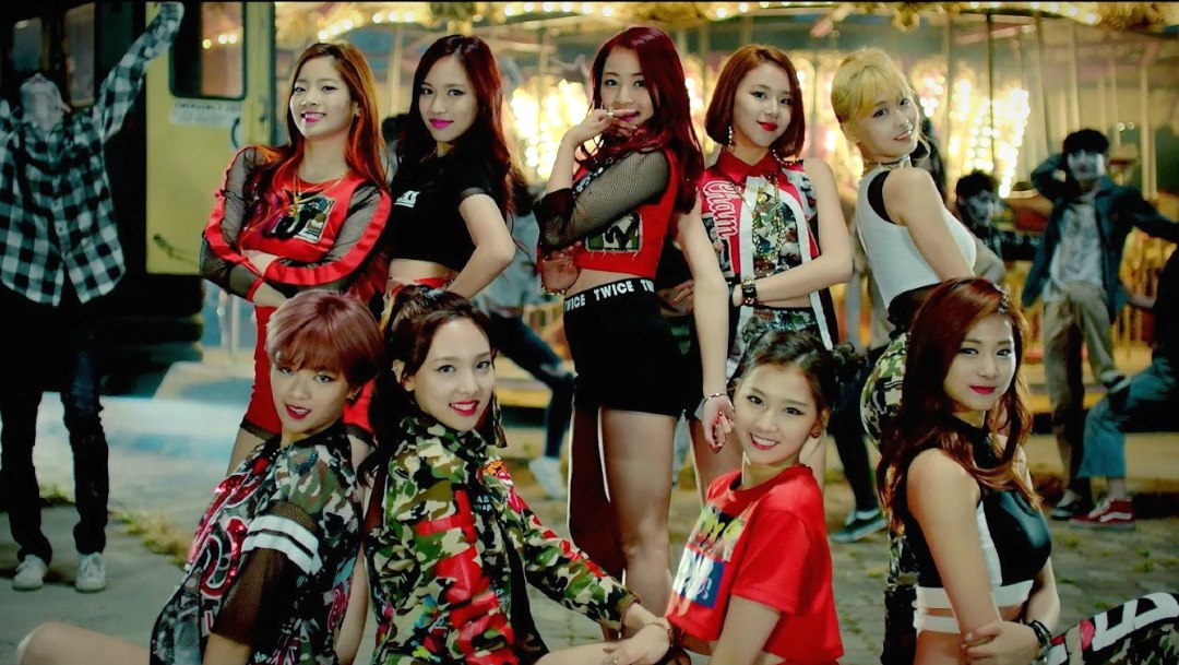 "Twice rompe récord con Like OOH-AHH""y alcanza 350 millones de views"