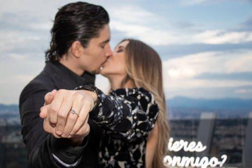 Alex Fernández Jr anillo novia foto Instagram