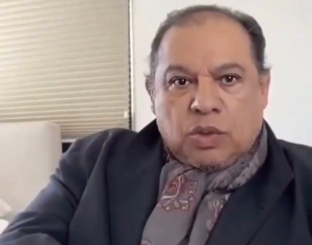 Juan Gabriel está vivo esperando a que AMLO le llame, asegura su exsecretario