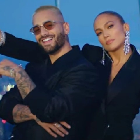 Maluma y Jennifer Lopez sacaron video partido en dos