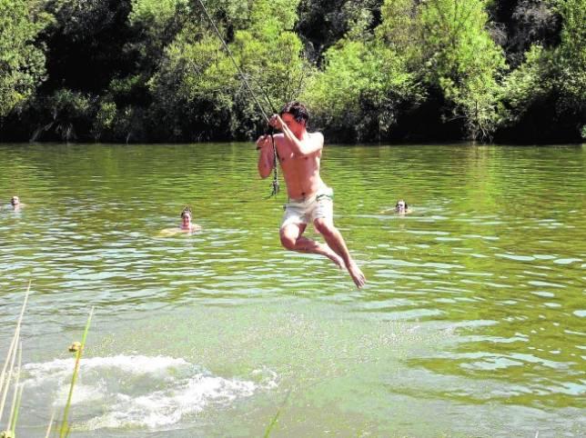 Ameba come cerebros por nadar en ríos