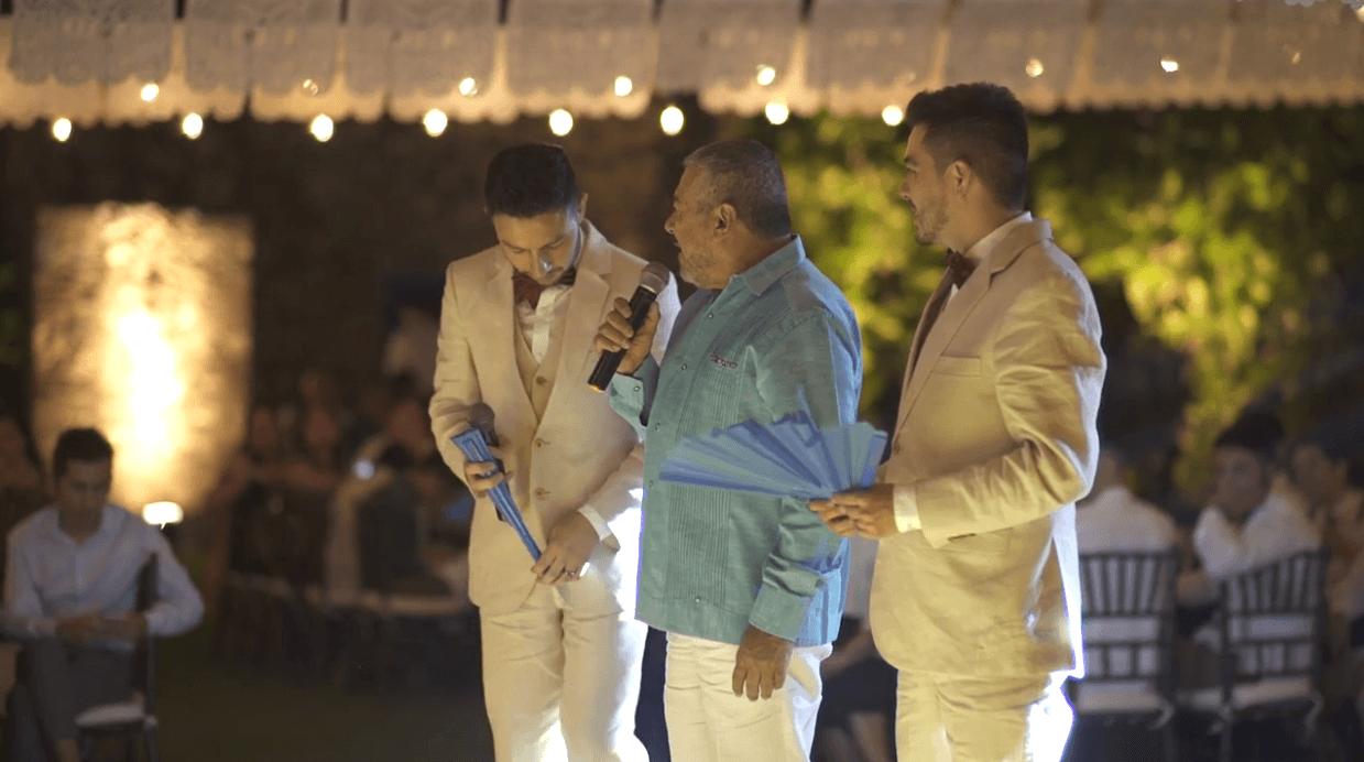 Papá da emotivo discurso en la boda de su hijo gay