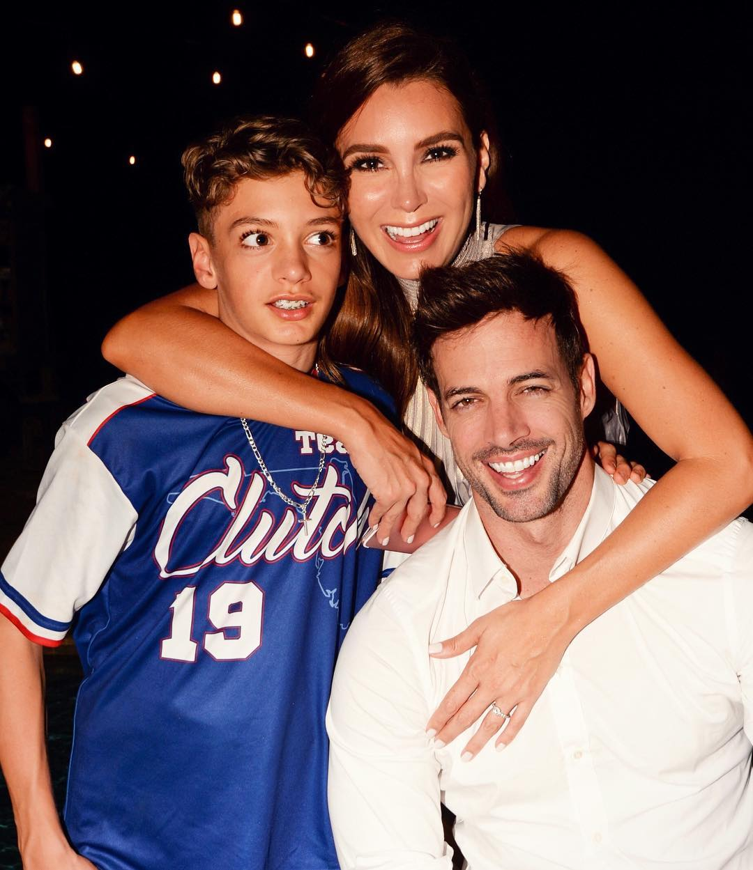 Christopher Levy con sus padres