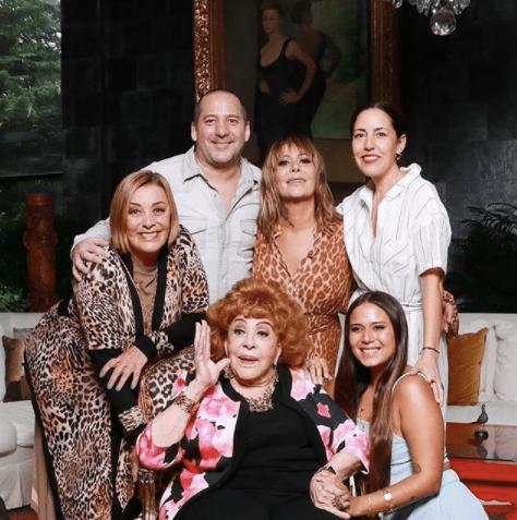 Luis Enrique Guzmán quiere sacar a sus hermanas del testamento de Silvia Pinal