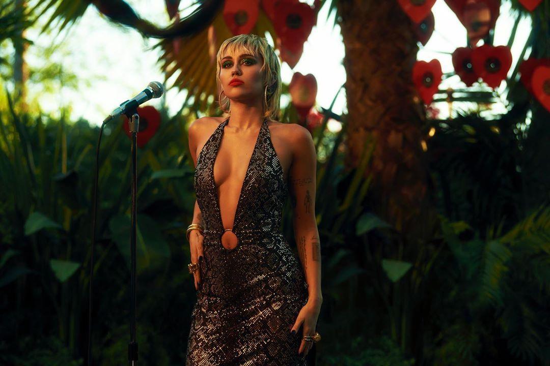 Miley Cyrus fue perseguida por un OVNI