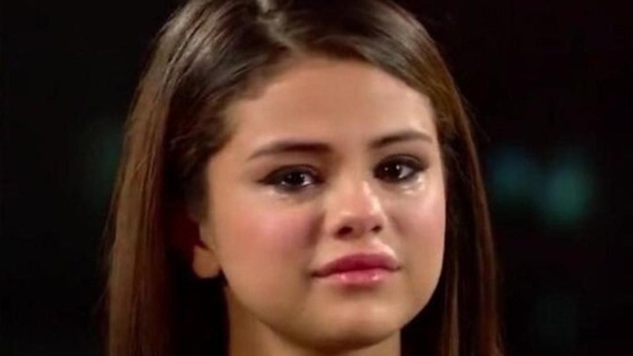 Selena Gomez llorando porque tuvo depresión en pandemia