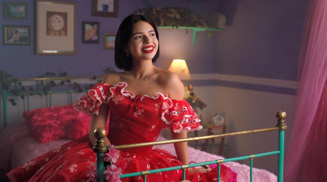 Ángela Aguilar canta el himno del América