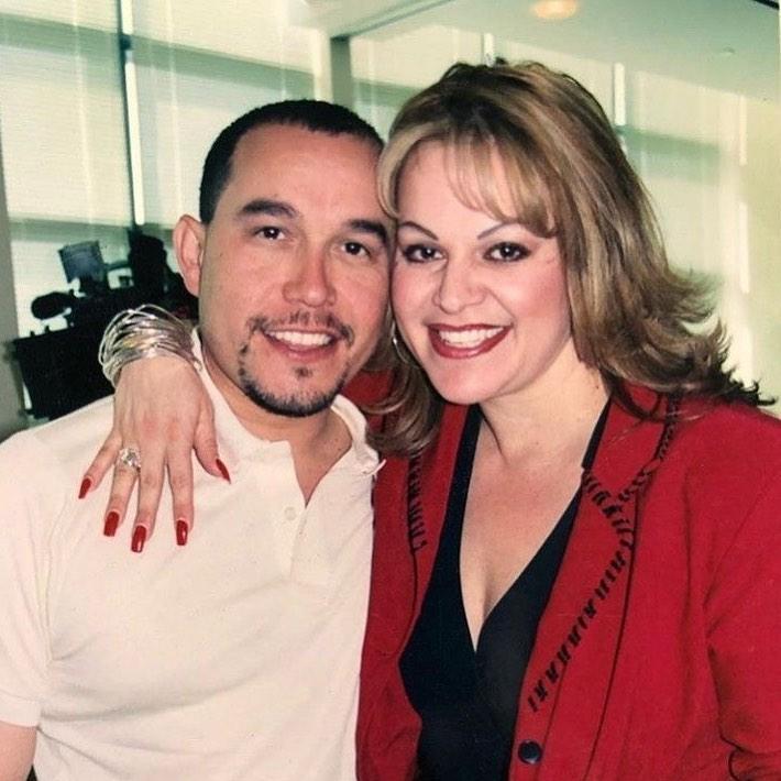 Hermano de Jenni Rivera, Gustavo Rivera, sufre accidente automovilístico