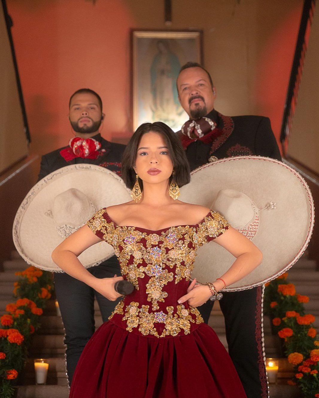 Foto Ángela Aguilar con su papá y su hermano
