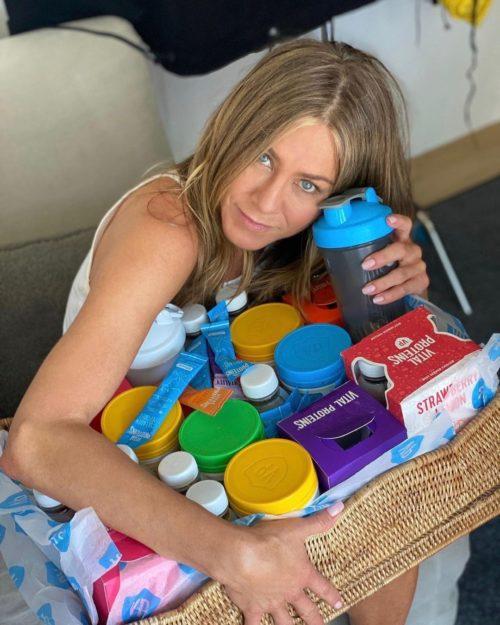 Jennifer Aniston promocionando su marca Vital Proteins en instagram