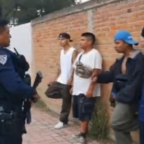 Jóvenes de tlaxcala maravillan a policía tras rapear