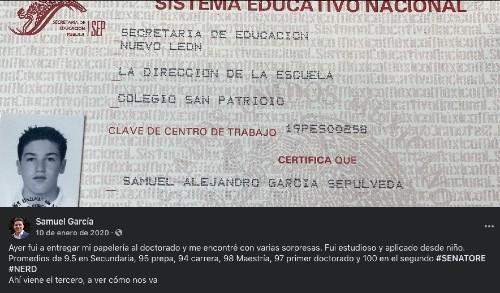 Samuel García presume sus calificaciones en la escuela