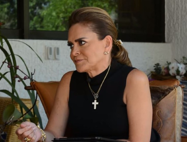 Críticas a Mara Patricia Castañeda por defender a Vicente Fernández