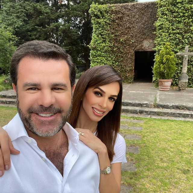 Biby Gaytán con Eduardo Capetillo