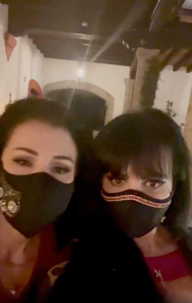 Maribel Guardia con Lourdes Munguía
