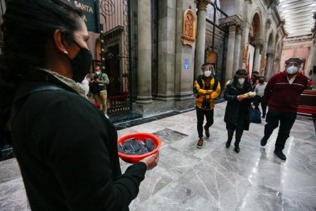 Miércoles de Ceniza, entregarán cenizas en bolsita para llevar