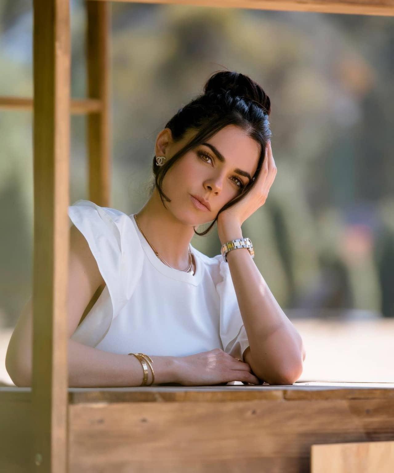 livia brito actriz compró casa 17 millones de pesos