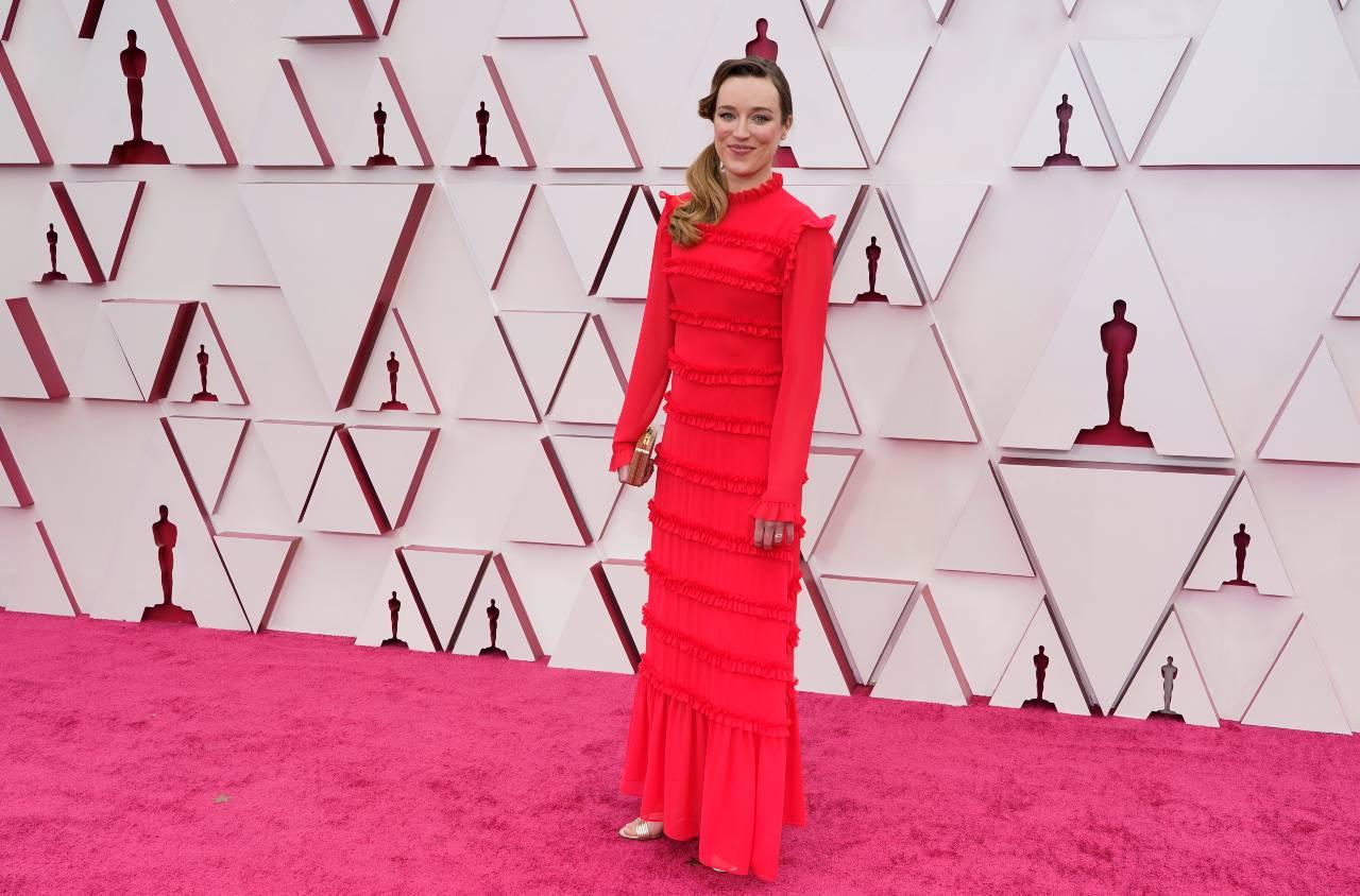 Ashley Fox alfombra roja premios oscar 2021