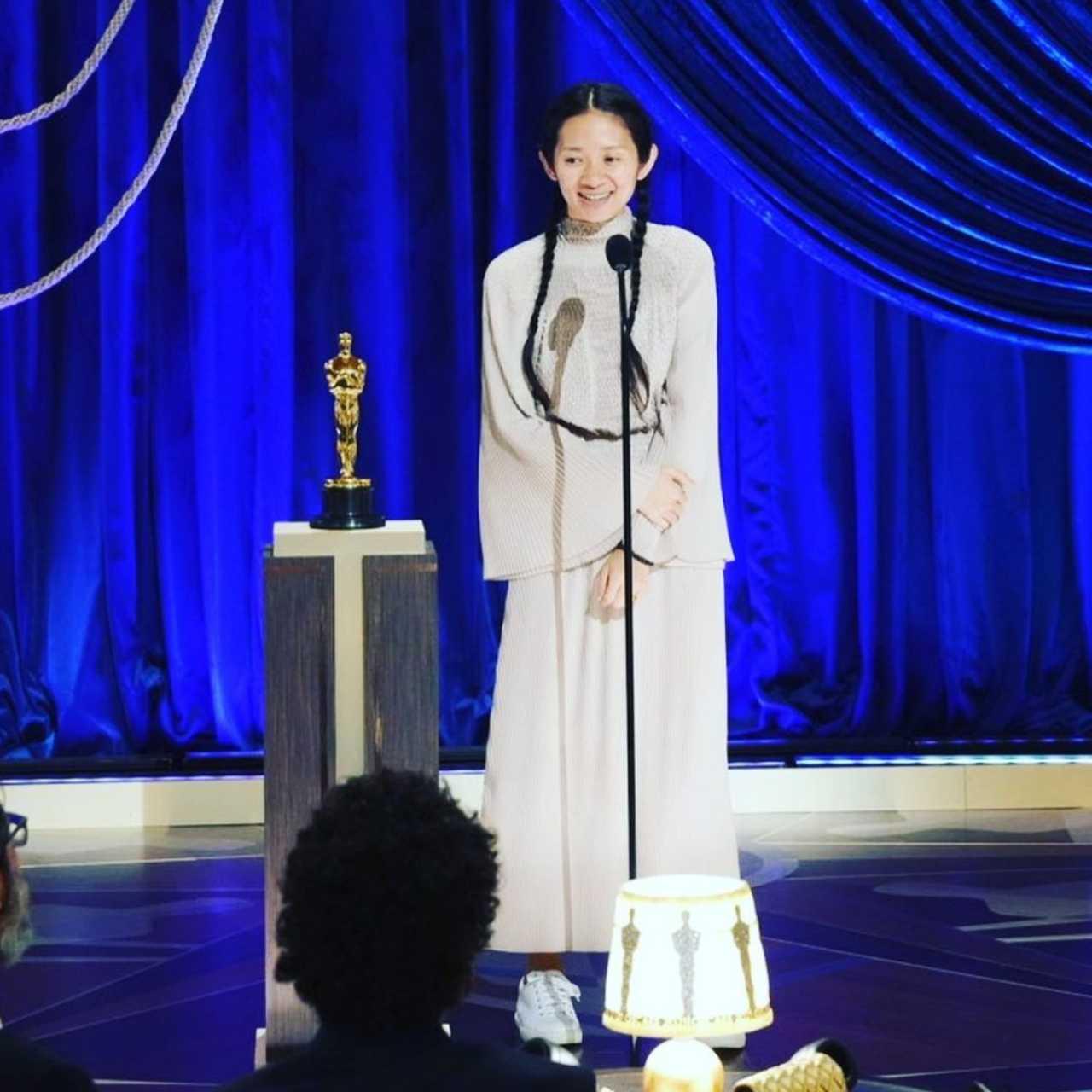 Chloé Zhao mejor directora