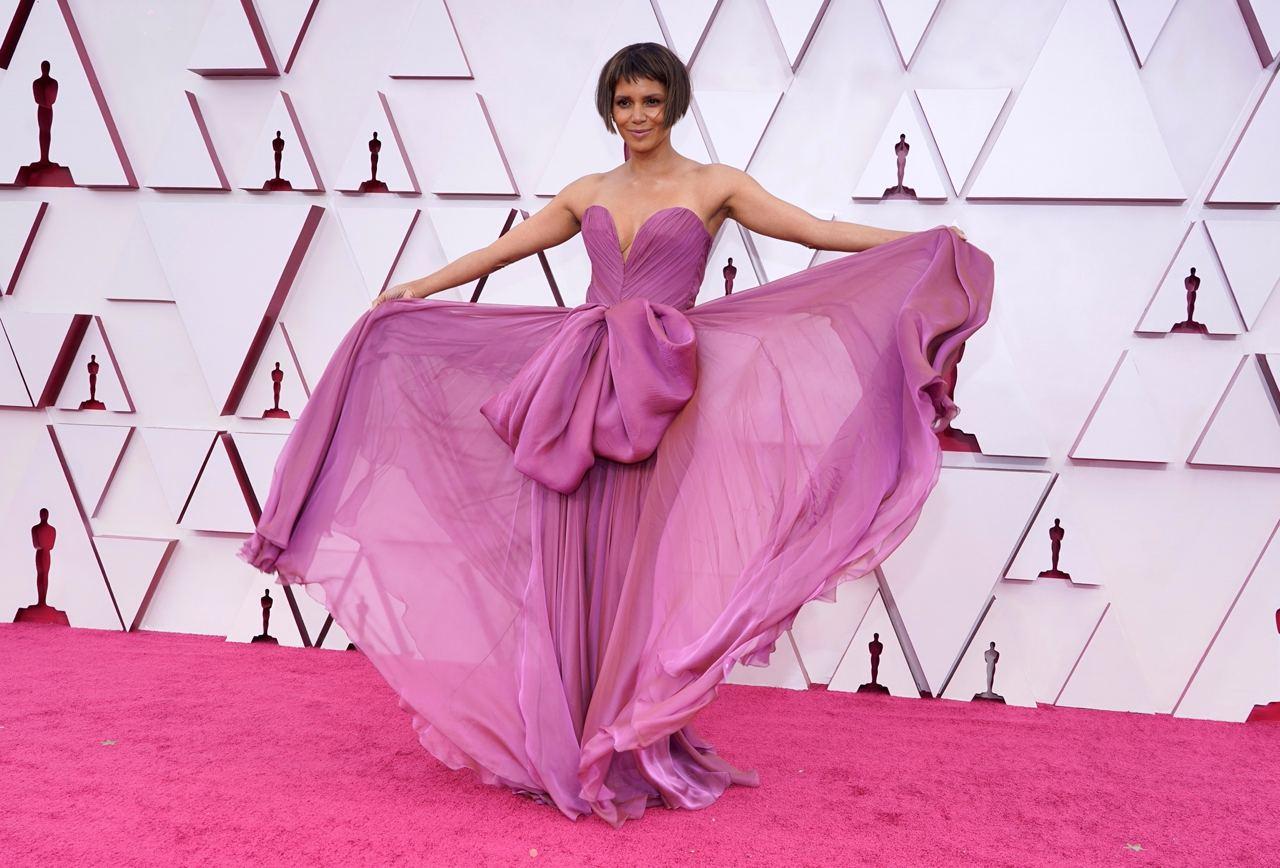 Halle Berry oscars 2021