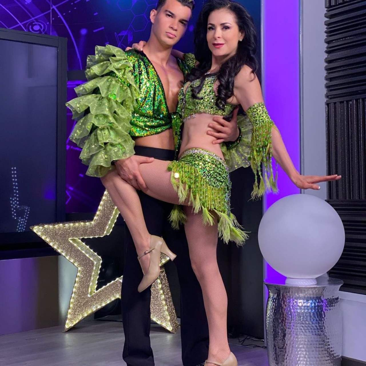 Lourdes Munguía y Brandon pareja baile