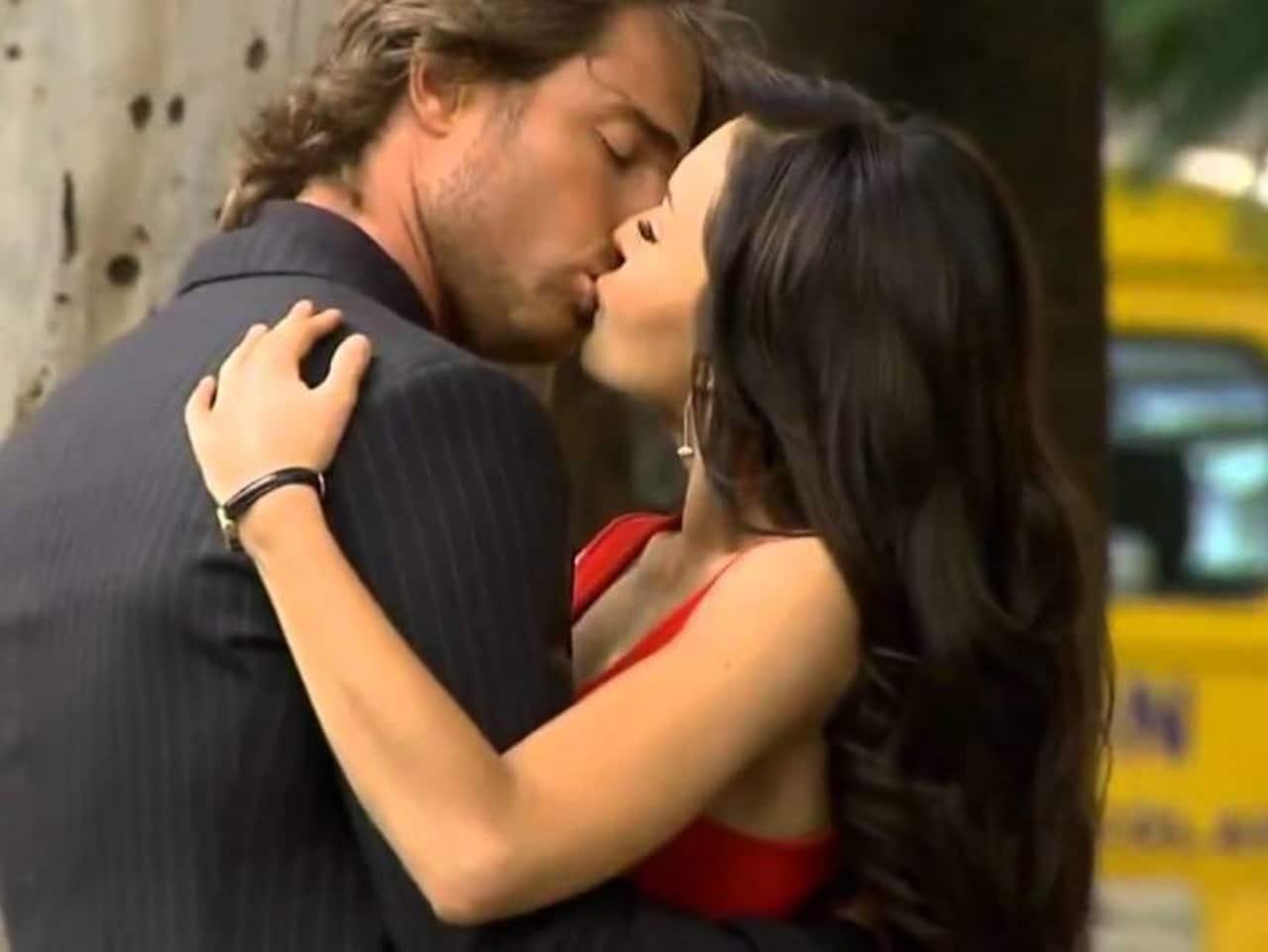 Teresa y Arturo beso